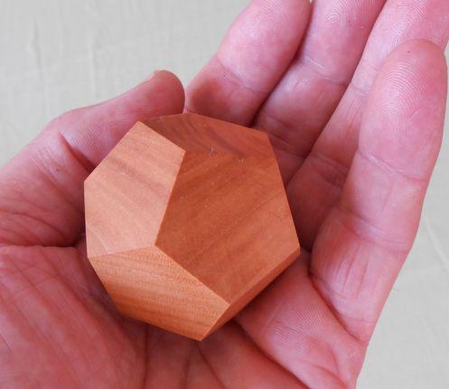 Holz-Dodekaeder / Pentagondodekaeder