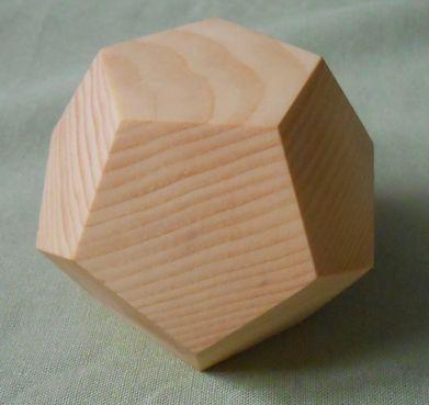Dodekaeder aus Vollholz Zirbelkiefer