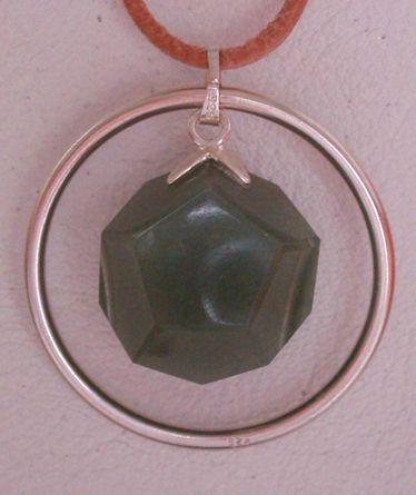 Dodekaeder-Schmuckanhänger Aventurin mit Silberring